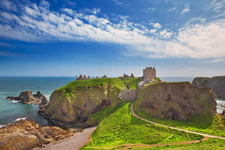 Medieval fortress Dunnottar Castle is a ruined medieval cliff-top fortress dating to the fourteenth century. Aberdeenshire, Stonehaven on the Northeast of Scotland, UK Stok Fotoğraf