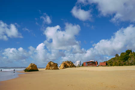Landscape the rocks and cliffs, scenic ocean beach coastline Algarve Portugal, Europe. Sunny day, 2018. Panoramic nature beauty seascape view Standard-Bild
