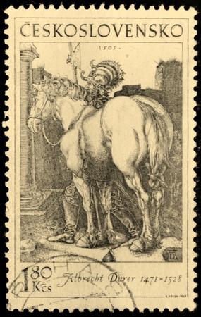 durer: Cecoslovacchia - CIRCA 1969 Un timbro stampato dalla Cecoslovacchia mostra l'immagine di antica incisione di un cavallo e cavaliere, di Albrecht Durer, circa 1969