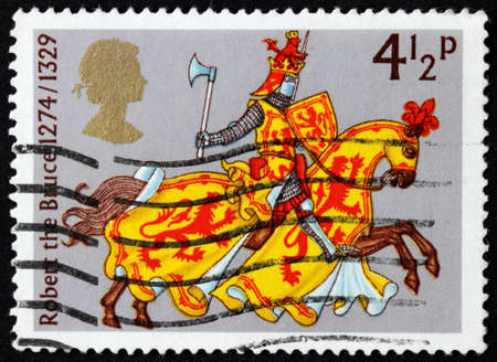 robert bruce: UNITED KINGDOM - CIRCA 1974: A used postage stamp printed by UNITED KINGDOM shows Robert the Bruce, the King of the Scots, circa 1974 Editorial