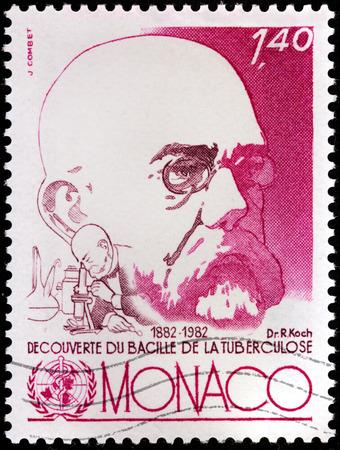 discoverer: MONACO - CIRCA 1982: Un sello impreso por MONACO muestra el retrato de la imagen de Robert Heinrich Herman Koch - el fundador de la bacteriolog�a moderna, descubridor del bacilo tub�rculo, alrededor de 1982 Editorial