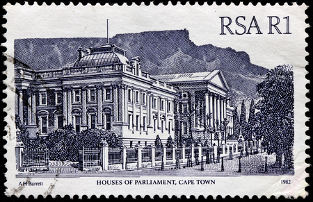 suid: SOUTH AFRICA - CIRCA 1982: A stamp printed by SOUTH AFRICA (RSA) shows view of the Houses of Parliament in Cape Town, Western Cape, Republic of South Africa, circa 1982 Editorial