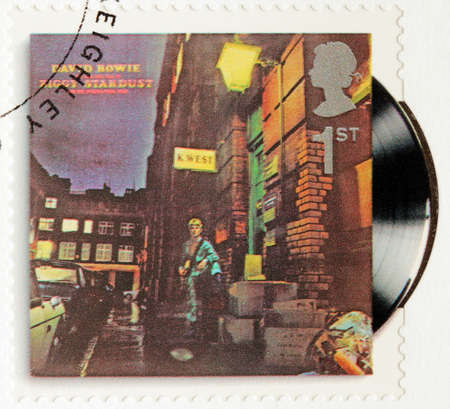 rise fall: GREAT BRITAIN - CIRCA 2010: A stamp printed by GREAT BRITAIN shows David Bowie album The Rise and Fall of Ziggy Stardust and the Spiders From Mars (1972) cover, circa 2010. Editorial