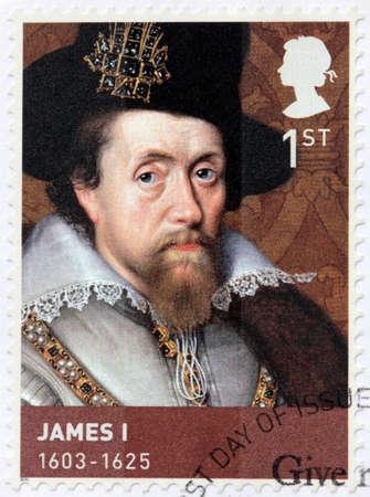 king: REINO UNIDO - CIRCA 2010: Un sello impreso por Gran Breta�a muestra el retrato de la imagen de Jaime I. Fue rey de Escocia como Jacobo VI y el rey de Inglaterra e Irlanda como James I, alrededor del a�o 2010