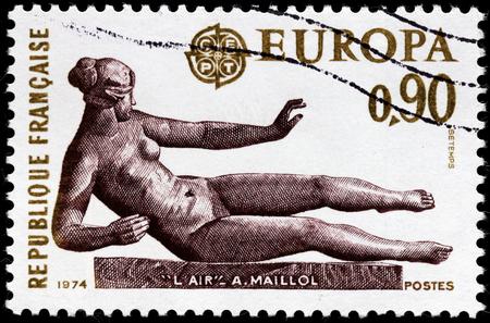 poststempel: FRANKREICH - CIRCA 1974: Ein Stempel von Frankreich gedruckt zeigt Skulptur der Luft durch berühmte Französisch Bildhauers und Malers Joseph Aristide Maillol Bonaventure, circa1974 Editorial