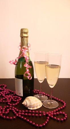Champagne deep water decoration setting photo