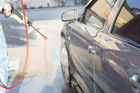 revestimientos: El proceso de lavado del coche en el t�nel de lavado