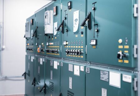 Room with withdrawable trolleys of disconnectors of distribution equipment of voltage 10 Kv