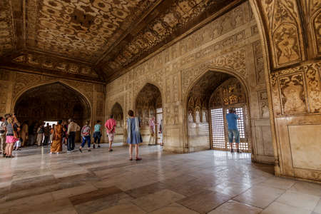 Tourists and locals visiting the Red Fort in Agra a world heritage site originally built in the 11th century by Hindu Sikarwar Rajputs and later structure build by Mughals and was used as second capital for a period  Agra, Uttar Pradesh India   02 2013
