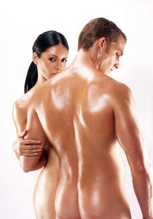 pareja desnuda: Retrato de la joven pareja desnuda en el fondo blanco