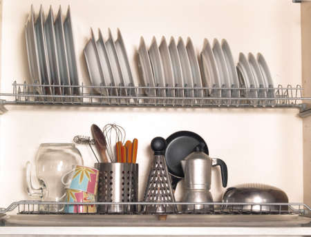 neat: Kitchen racks for plates and utensils