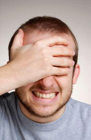 hombre caucasico: Hombre cauc�sico con pose frustrado