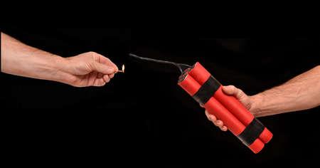dinamita: Iluminación en un cartucho de dinamita.