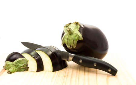 egg plant: egg plant cut with knife
