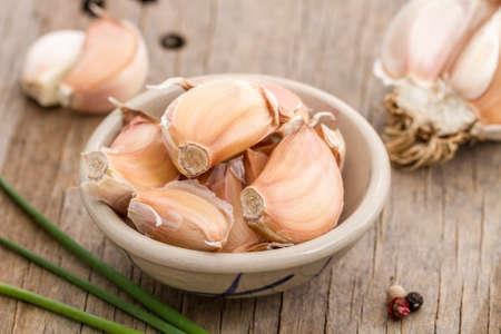 fresh garlic: garlic cloves Stock Photo