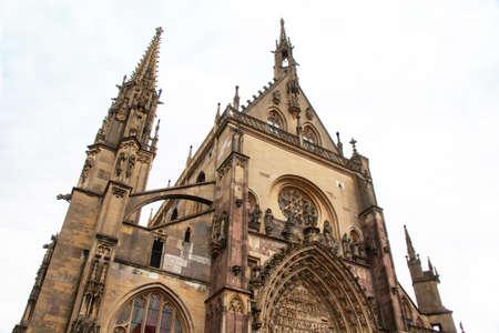 haut rhin: Colegiata de Saint Thibaut de Thann en Alsacia, Alto Rin
