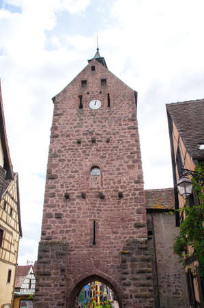 vineyard plain: The Tower of Thieves Riquewihr, Alsace, Haut Rhin, France Stock Photo