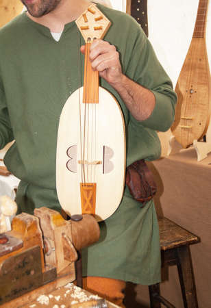 chivalry: Creation  's musical instrument strings medieval