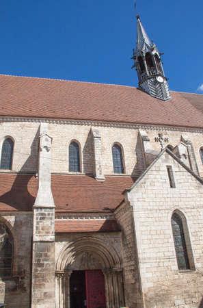 collegiate: The collegiate church Saint-Martin, Chablis, Yonne, France Stock Photo
