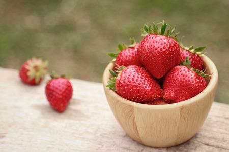 Fresh organic strawberry in bowl for  healthy eating 版權商用圖片