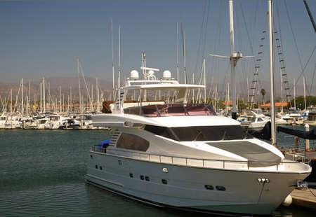 docked: Alquiler de barcos atracados en el puerto.