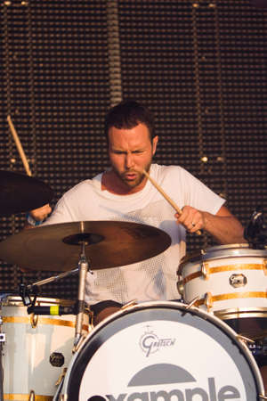 kent: Examples Drummer At Lounge On The Farm