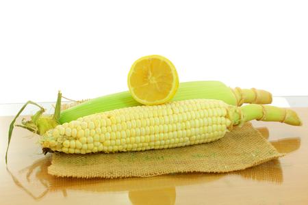 corn ear: mazorca de ma�z y lim�n