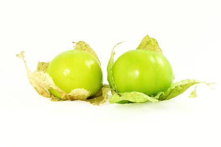 トマティロ、メキシコのグリーン トマト フルーツまたは野菜ホワイト バック グラウンドで 写真素材