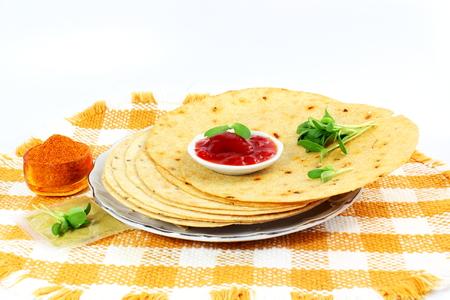 methi: indian gujrati snack khakhra or crispy roti or crispy chapati bread Stock Photo