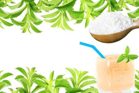 Frische Grüne Stevia Rebaudiana Und Extrakt Pulver In Holzlöffel Mit ...