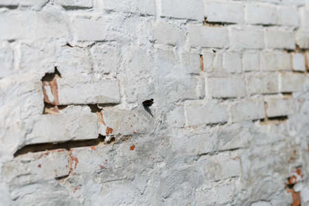 Old Vintage Red Brick Wall With Crashed White Plaster Texture 版權商用圖片