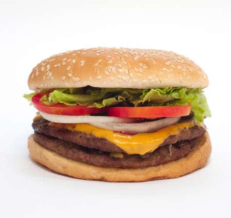 Hamburger na białym tle. Spójrz smaczne. 1