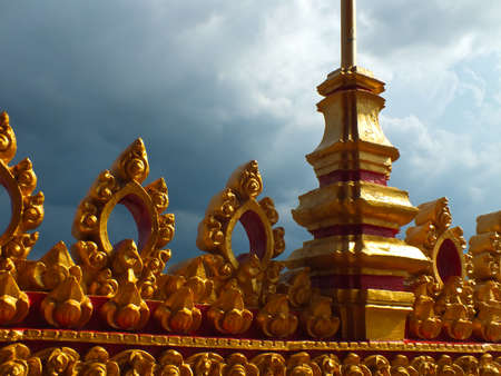 eminent: Sun shines on top of an ancient temple wall in Thailand Stock Photo