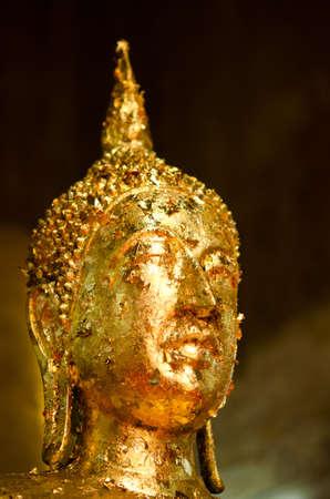"""cabeza de buda: la foto está tomada en Wat Maitongsen """", uno de los 3 templos, construidos por el famoso monje en Tailandia Foto de archivo"""