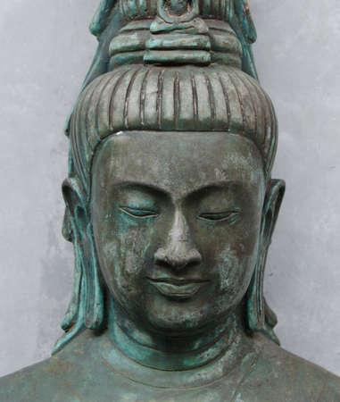 """cabeza de buda: Este facial de la estatua de Buda se toma en """"Suan Mok"""", construido por el famoso monje en Tailandia. más de 1.000 años de antigüedad Foto de archivo"""