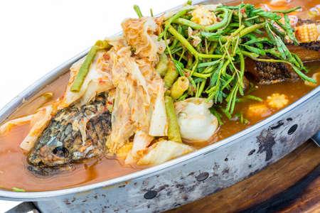 snake head fish: Croccante di serpente testa di pesce zuppa piccante E 'molto gustosa cucina tailandese Archivio Fotografico