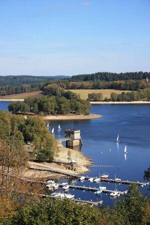 kojen: Wochenende Segeln am Lac de Vassiviere, Limousin, Frankreich Lizenzfreie Bilder