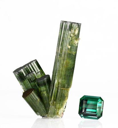 gemology: Cristalli di tormalina Verdelite e gemme 32 ct  Archivio Fotografico