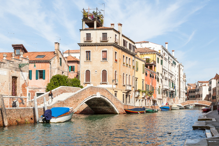 Picturesque back canal Rio Dei Carmini and Fondamenta Briarti, Dorsoduro, Venice, Italy Stock Photo - 92526769