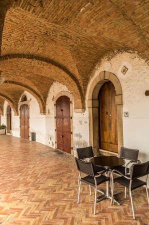 portico: portico