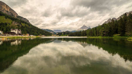 lake misurina: misurina lake