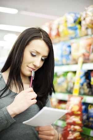 Shopping list Stock Photo - 18161938