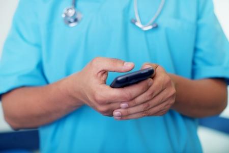dottore stetoscopio: Dottore SMS sul cellulare