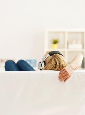 personas escuchando: Tiempo para relajarse Foto de archivo
