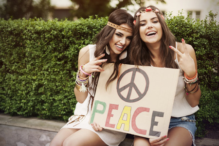 simbolo della pace: Tempo divertente con il migliore amico