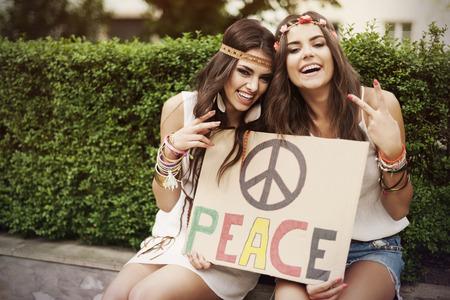 simbolo de la paz: Tiempo divertido con el mejor amigo