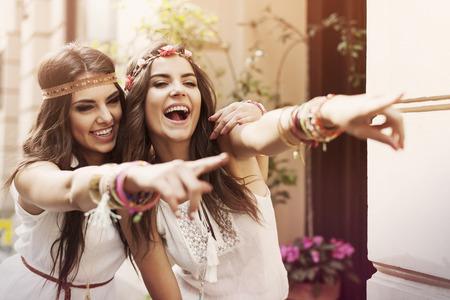 mujeres fashion: Tiempo divertido para los mejores amigos