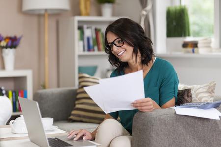 documentos: Trabajar en casa puede por placer Foto de archivo