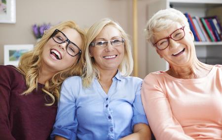 Wir haben Probleme mit der Vision, aber wir mit Brille mögen Standard-Bild - 35084991