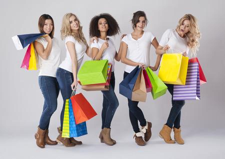 femme blonde: Toutes les femmes comme temps de magasinage Banque d'images